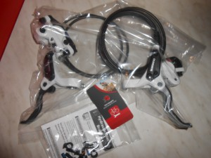 Комплект нових гальм Shimano BR-M395+BLM425
