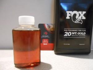 Масло свіже Fox Racing Fluid Gold 20 WT 100 мл - 130 грн