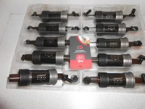 Каретки Neco 68 мм, 113,5 і 118 мм вали - 120 грн